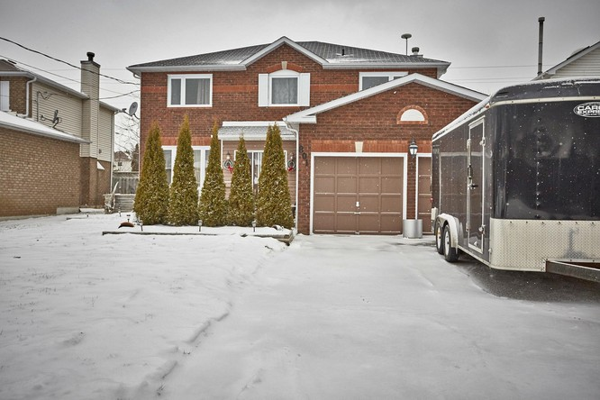 4BR Home for Sale on 801 Beatty Crescent, Cobourg
