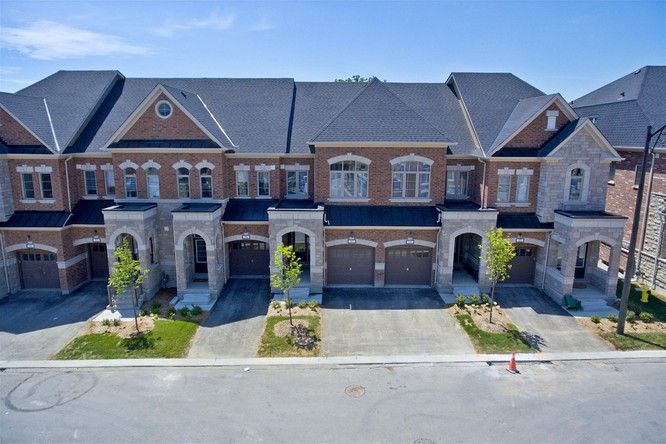 4BR Condo for Sale on 133 Major Mackenzie Drive #95, Vaughan