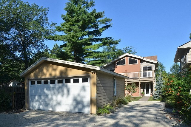 5BR Home for Sale on 212 Oxbow Park Drive, Wasaga Beach