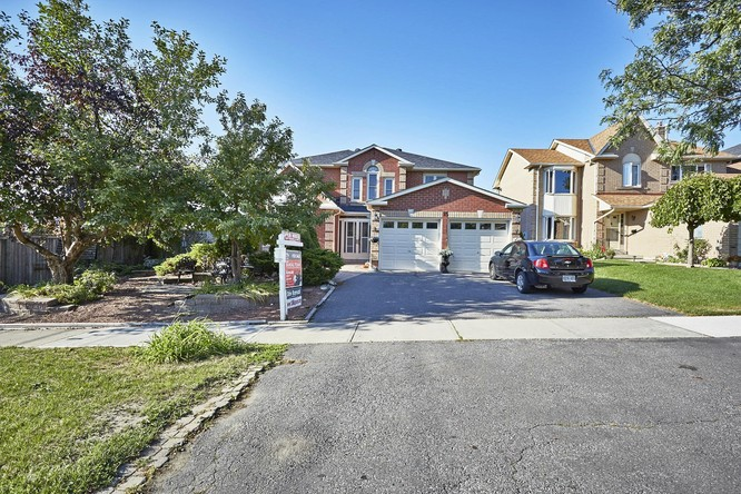 4BR Home for Sale on 15 Mapson Crescent, Ajax