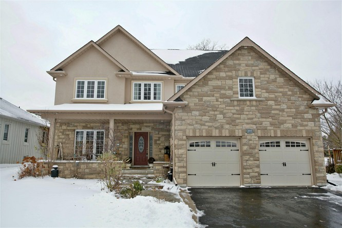 3BR Home for Sale on 495 Main Street, Schomberg