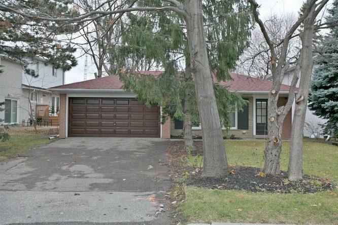 3BR Home for Sale on 32 Hopperton Drive, North York