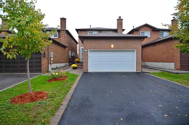 3BR Home for Sale on 21 Patrice Crescent, Thornhill