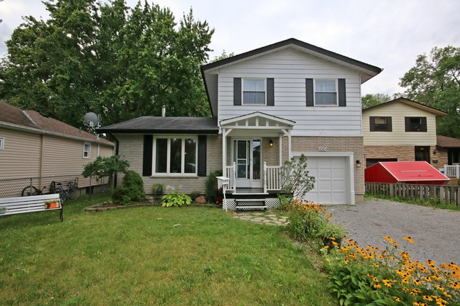 3BR Home for Sale on 100 Metro Road South, Keswick