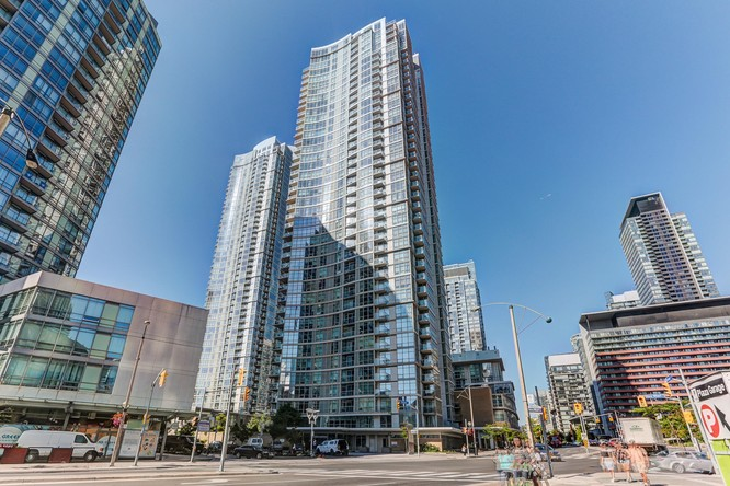 2BR Condo for Sale on 10 Navy Wharf Court Ph02, Toronto