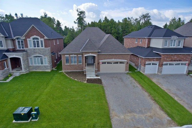 3BR Home for Sale on 773 Freemont Court, Innisfil