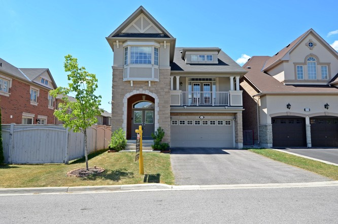 4BR Home for Sale on 20 Lake Woods Street, Richmond Hill
