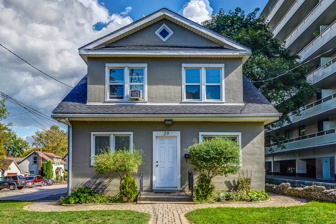 4BR Home for Sale on 29 Mountain Avenue South, Stoney Creek