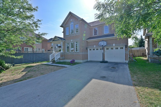 4BR Home for Sale on 32 Cogswell Crescent, Brampton