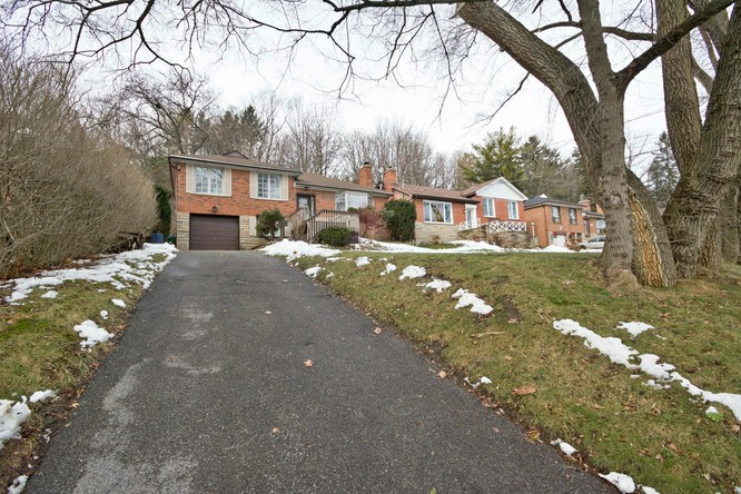 3BR Home for Sale on 38 Catalina Drive North, Scarborough