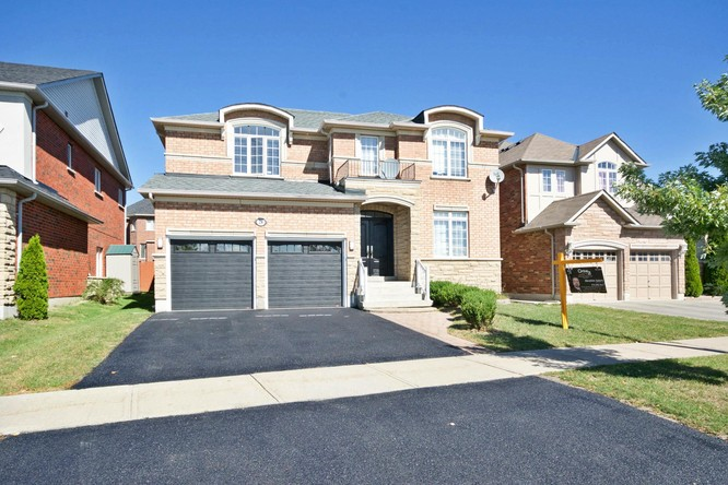 4BR Home for Sale on 28 Jefferson Forest Drive, Richmond Hill Ontario