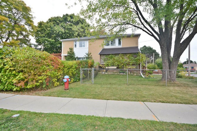 3BR Home for Sale on 272 Taylor Mills Drive North, Richmond Hill