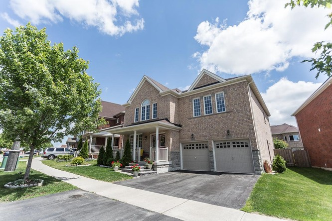62 Hinsley Crescent<br/>Ajax, ON
