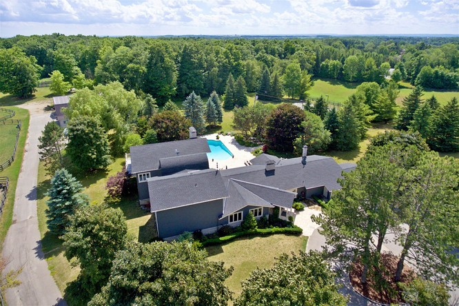 3BR Home for Sale on 4795 19th Sideroad, King