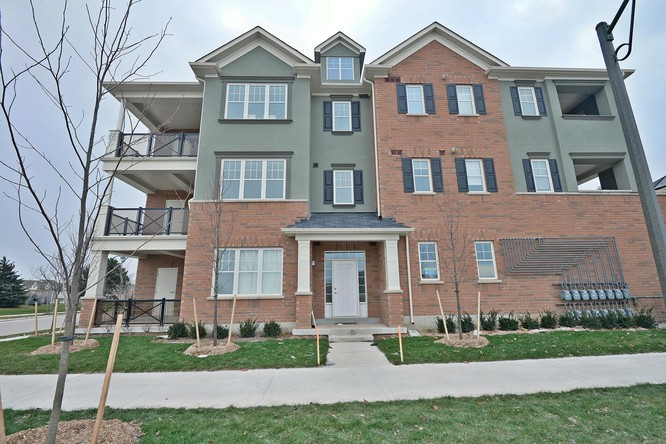 2BR Condo for Sale on 275 Roxton Road #201, Oakville