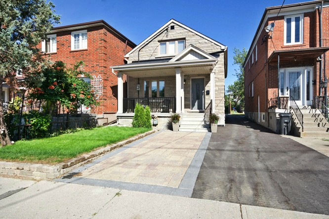 4BR Home for Sale on 178 Dunraven Drive, Toronto