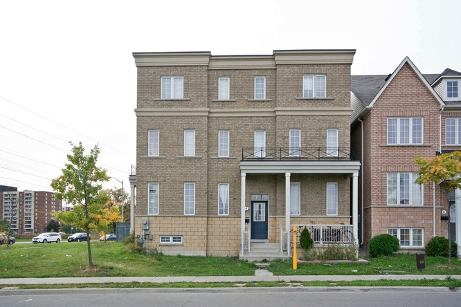 6BR Home for Sale on 4 Evelyn Wiggins Drive, North York