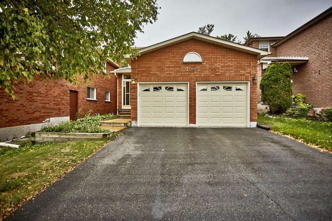 3BR Home for Sale on 1645 Beaton Way, Pickering