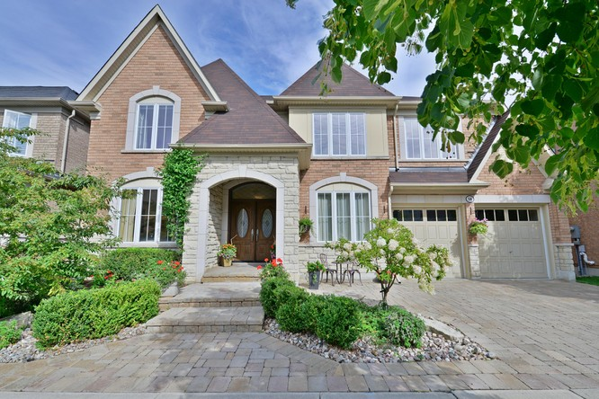 4BR Home for Sale on 51 Muscat Crescent, Ajax