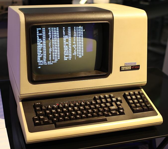 Picture of a VT100 terminal