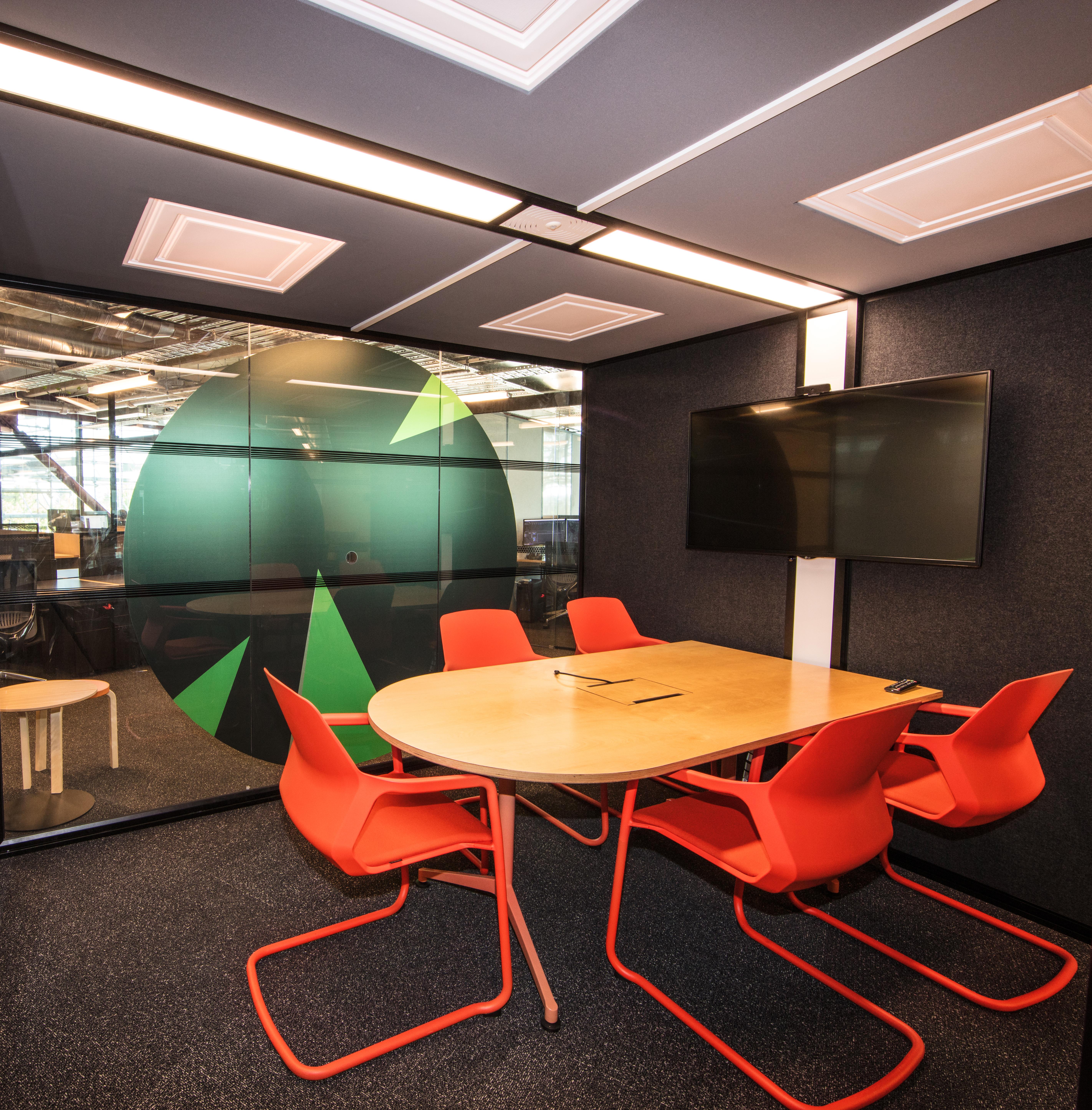 Smales Farm B:HIVE Office & Desk Space photo 7